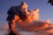 Bisakah Suara Gemuruh Gunung Berapi Prediksi Letusan?