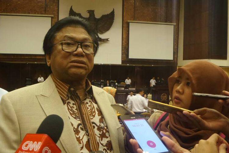 Ketua DPD RI Oesman Sapta Odang di Kompleks Parlemen, Senayan, Jakarta, Senin (8/5/2017).