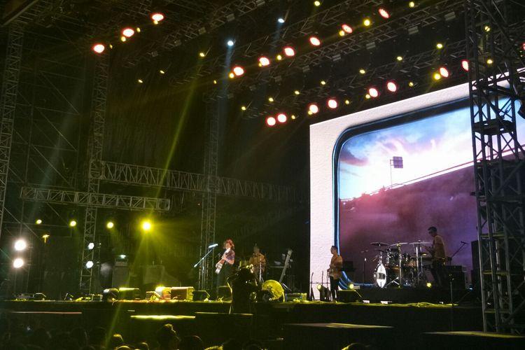 Penyanyi Eva Celia tampil di We The Fest Stage hari kedua di Jiexpo, Kemayoran, Jakarta Pusat (20/7/2019).