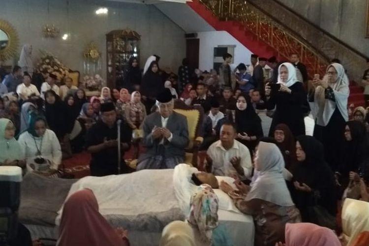 Jenazah almarhum Andi Sose disemayamkan di rumah duka di Jl Sungai Tangka, Makassar, Selasa (26/3/2019).