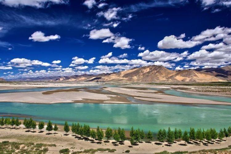 Sungai Yarlung Tsangpo, Tibet.