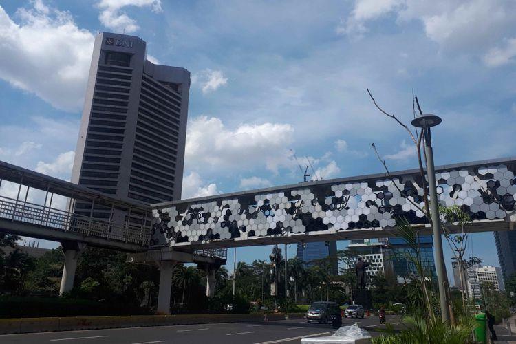 JPO Dukuh Atas yang baru dibangun untuk menghubungkan JPO Dukuh Atas sisi timur dan halte transjakarta Dukuh Atas 2. Foto diambil Jumat (4/1/2019).