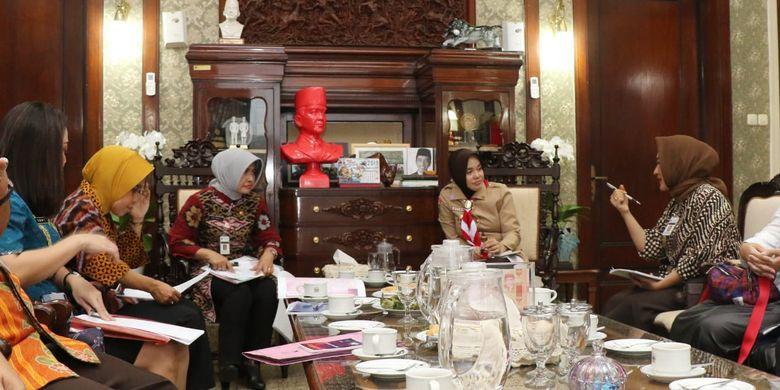 Siap-siap Ganjar dan Pejabat di Jateng Akan Jadi Model Busana Batik
