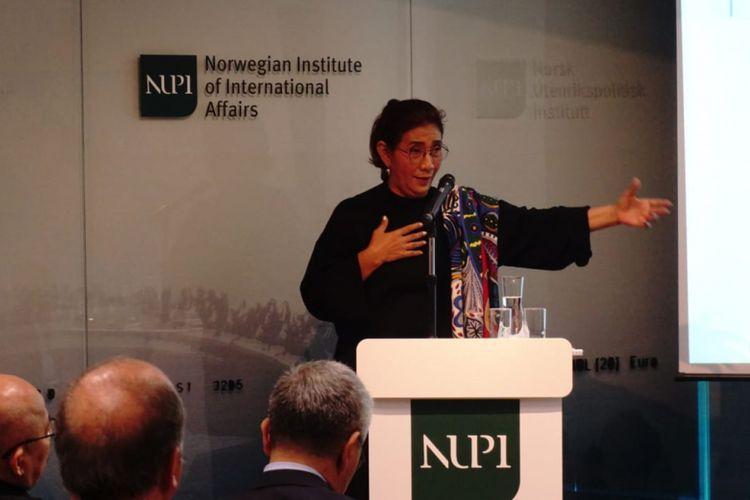 Tanpa Teks Selembar pun, Menteri Susi Mampu Pukau Peserta Kuliah Umum Dirinya di Norwegia
