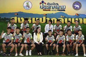Anak-anak Tim Sepak Bola Remaja yang Sempat Terjebak di Goa Sudah Bisa Bercanda