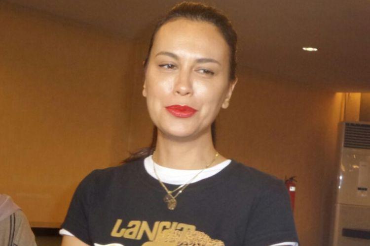 Sophia Latjuba menghadiri jumpa pers pertunjukan teater berjudul Langit 7 Bidadari di Grand Kemang, Jakarta Selatan, Kamis (17/5/2018).