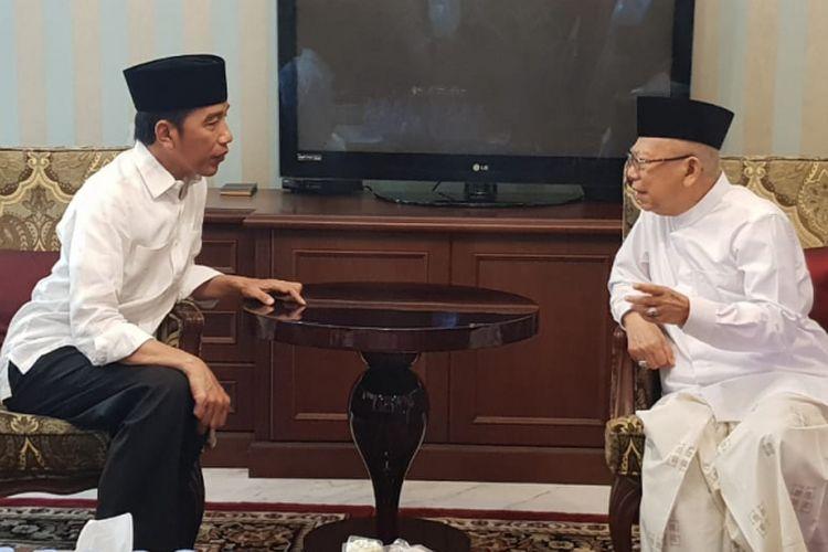 Calon presiden nomor urut 01 Joko Widodo berkunjung ke kediaman pendampingnya, Maruf Amin, Jumat (28/12/2018) siang.