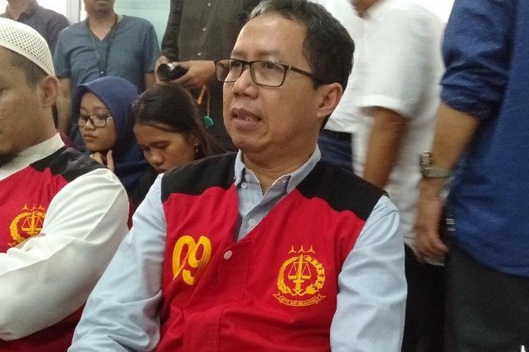 Terdakwa kasus perusakan barang bukti tetang mafia pengaturan skor sepak bola, Joko Driyono atau Jokdri, di Pengadilan Negeri Jakarta Selatan, Selasa (28/5/2019)