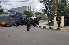 Massa Lempar Batu ke Arah Wali Kota Sorong, Polisi Lepaskan Gas Air Mata