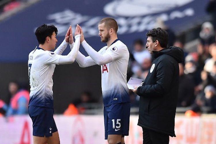 Eric Dier menyelamati Son Heung-min pada pertandingan Tottenham Hotspur vs Newcastle United di Stadion Wembley dalam lanjutan Liga Inggris, 2 Februari 2019.