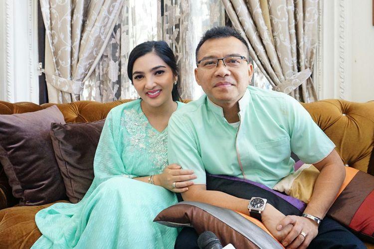 Artis musik Anang Hermansyah bersama Ashanty Siddik di kediaman mereka di kawasan Cinere, Depok, Jawa Barat, Rabu (5/6/2019).
