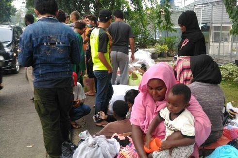 Saat Hujan, Pencari Suaka asal Afghanistan dan Sudan Kesulitan Cari Tempat Berteduh