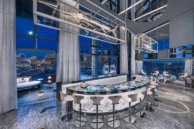 Bar yang terdapat di suite room Palms Casino Resort, Las Vegas, Amerika Serikat.