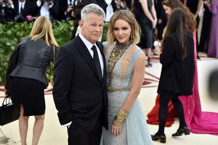 Komposer David Foster dan Katharine McPhee menghadiri Costume Institute Gala atau yang biasa disebut Met Gala di The Metropolitan Museum of Art, New York City, pada 7 Mei 2018.