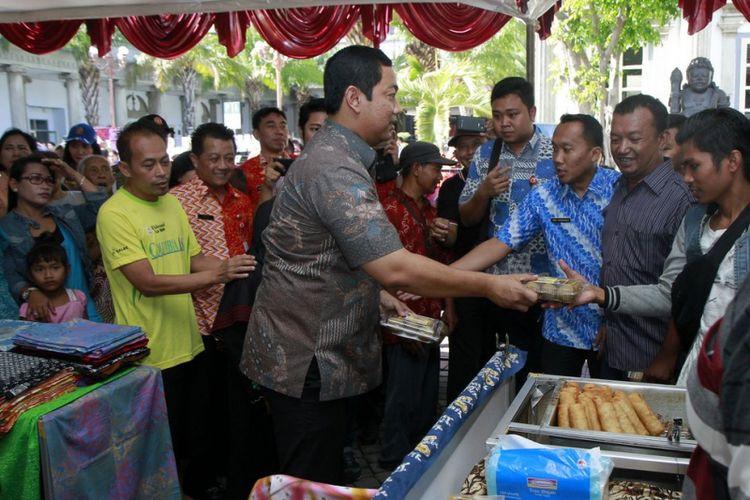 Ada 40 Ton Beras di Pasar Murah Serentak Semarang, Mau?
