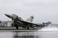 Simulasikan Invasi China, Jet Tempur Taiwan Latihan Mendarat di Jalan Raya