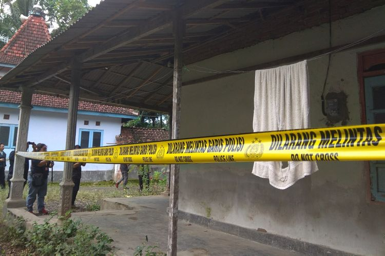 Rumah Rizal terduga teroris di Banyuwangi yang sempat digeledah oleh Densus 88 Senin (13/2/2018)