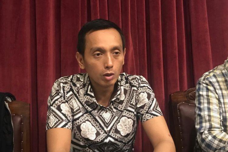 Direktur Imparsial Al Araf dalam acara diskusi bertajuk Mencari Hakim Pelindung Hak Konstitusi, di Tjikini Lima, Jakarta Pusat, Senin (11/3/2019).