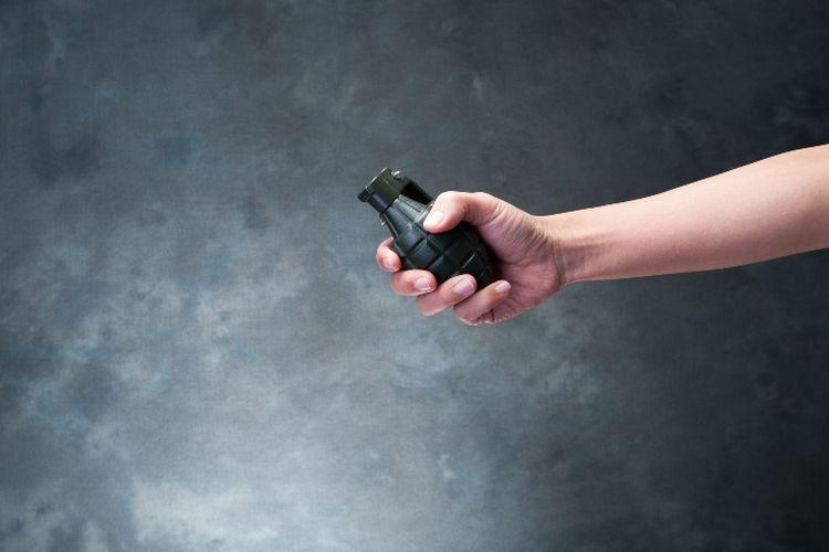 Ilustrasi granat tangan.