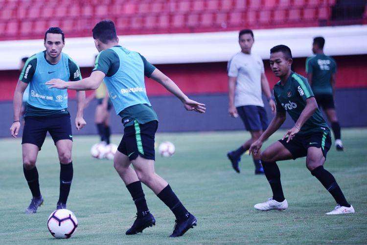 Timnas U-23 Indonesia berlatih di Stadion Kapten I Wayan Dipta, Gianyar, Bali, pada Sabtu (16/3/2019).