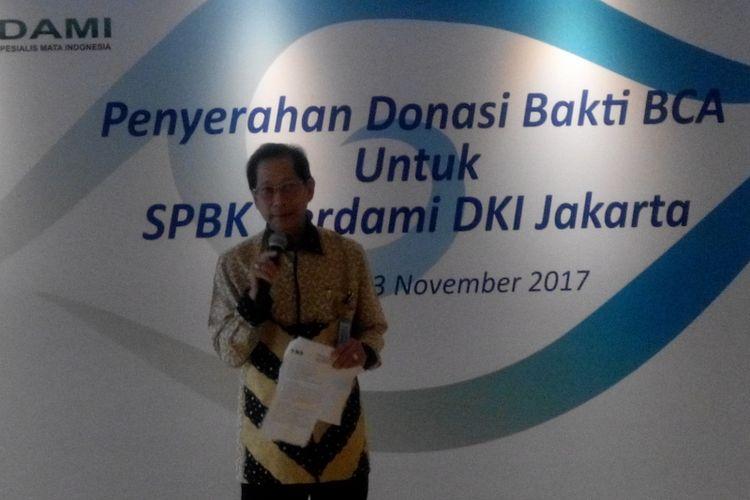 Presiden Direktur PT Bank Central Asia Tbk Jahja Setiaatmadja pada acara Penyerahan Donasi Bakti BCA untuk SPBK Perdami DKI Jakarta, Senin (13/11/2017).