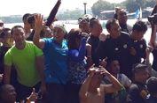 Keluar Jalur, Menteri Susi Sapa Warga di Pinggir Danau Sunter