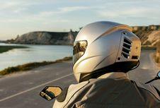 Menarik, Helm Ini Bawa AC untuk Kenyamanan Pengendara Motor
