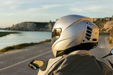Alasan Kenapa Naik Motor Wajib Pakai Helm