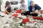 Perempuan di China Beli Mobil Volkswagen Pakai Ribuan Koin