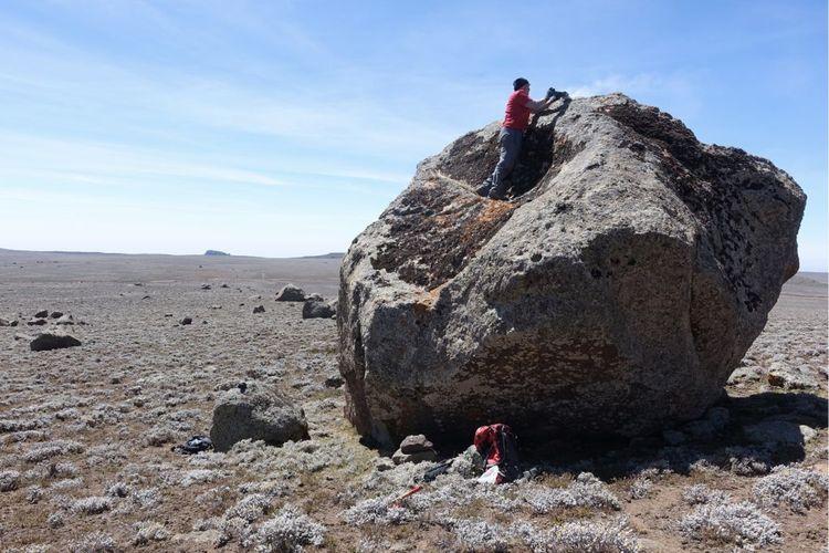 Para peneliti mengambil sampel di Bale, Ethiopia