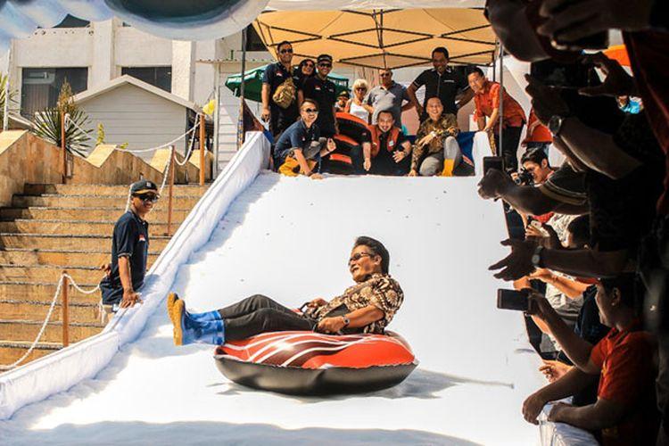 Discovery Shopping Mall menghadirkan wahana bermain salju outdoor pertama di Bali yaitu Discovery Snowland yang akan berlangsung mulai tanggal 8 Juni - 7 Juli 2018 di Area Amphitheater.