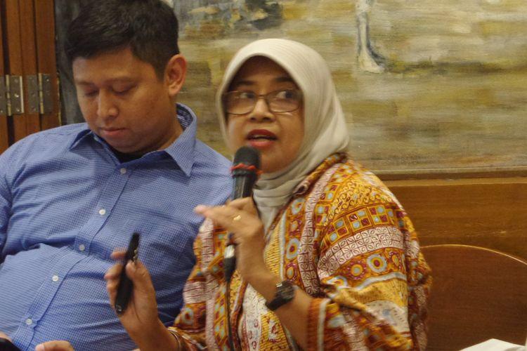 Aktivis Koalisi Nasional Reformasi Penyiaran Nina Armando dalam diskusi di Jakarta, Minggu (17/9/2017).