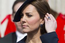 Kisah Istimewa Cincin Batu Safir 12 Karat di Jari Manis Kate Middleton