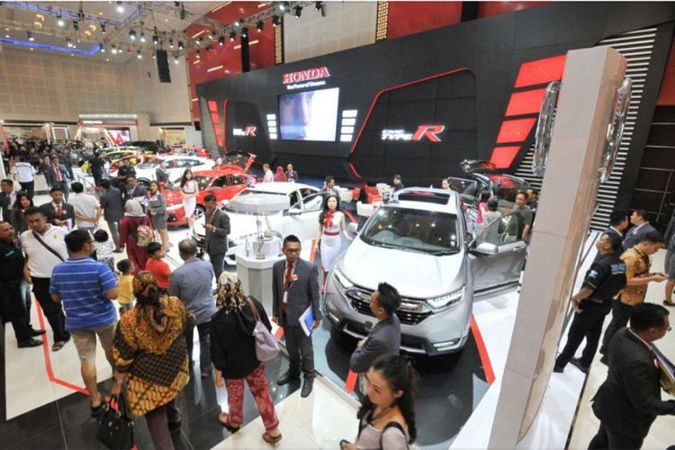 Honda di pameran otomotif Surabaya 2017.