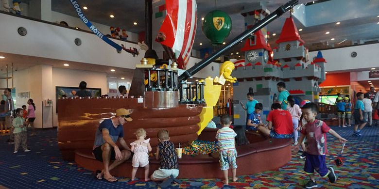 Suasana Hotel Legoland di Legoland Malaysia Resort
