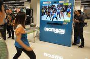 Mencoba Peralatan Olahraga Langsung dan Virtual di Decathlon MTA