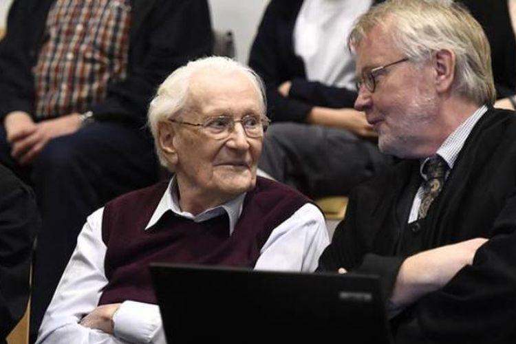 Oskar Gröning merupakan pegawai pembukuan Nazi di kamp konsentrasi Ausschwitz dari 1942-1944. (Deutsche Welle)