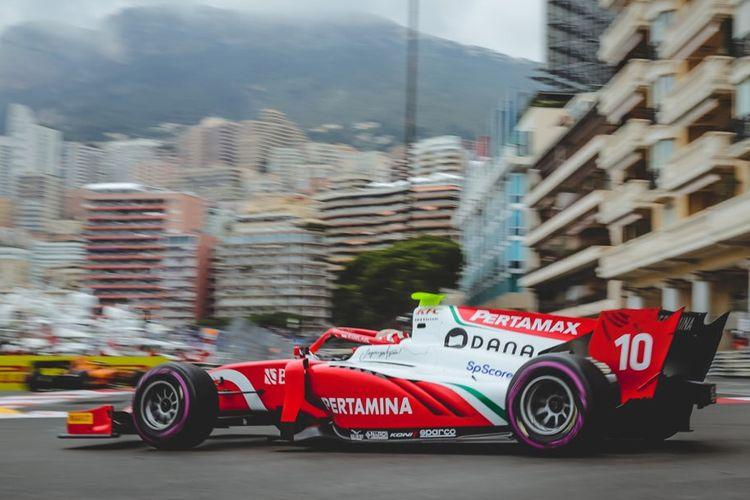 Pebalap Indonesia dari tim Prema Racing, Sean Gelael saat berlaga di Monaco GP