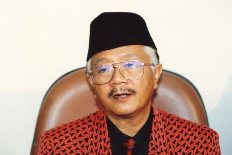 Soerjadi ketika masih menjadi Ketua Umum DPP PDI pada Juni 1996.