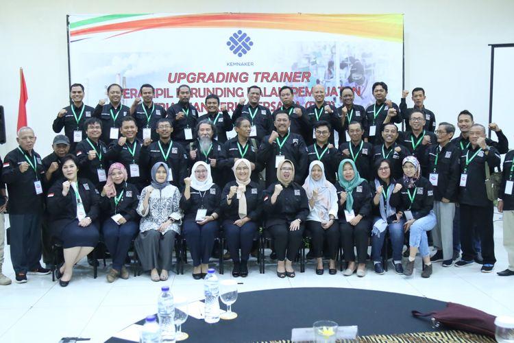 Upgrading Trainer Terampil Berunding dalam Pembuatan Perjanjian Kerja Bersama (PKB).