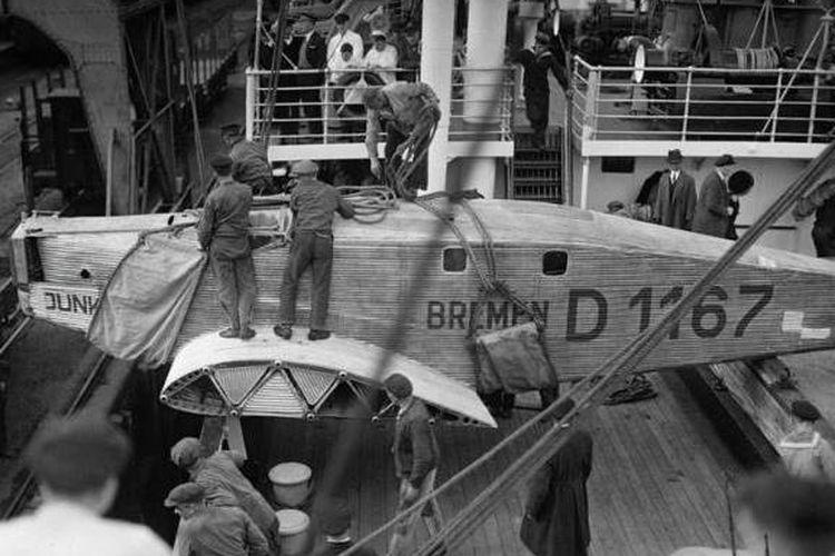 Pesawat Bremen dikembalikan ke Jerman menggunakan kapal