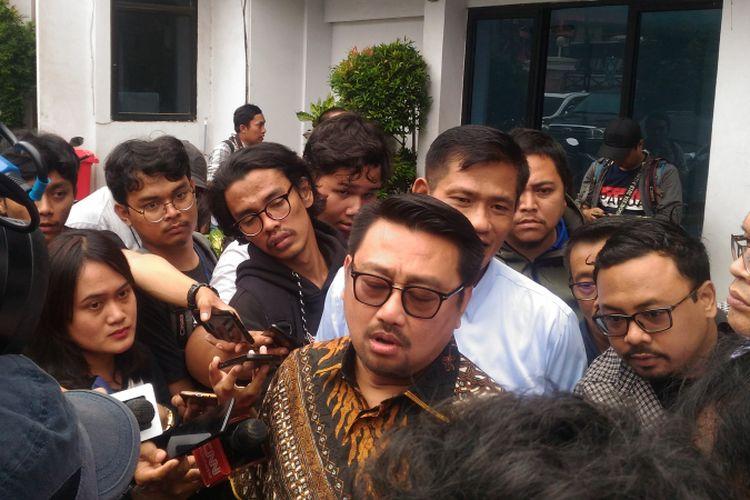 Wakil Sekretaris Jenderal Partai Demokrat Rachland Nashidik di.  Direktorat Tindak Pidana Narkotika Bareskrim Polri, Jakarta Timur, Rabu (6/3/2019).