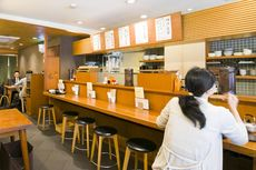 Bersantap ala Penduduk Lokal Jepang di Fukuoka