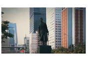 Patung Jenderal Sudirman 'Hidup', Pindahkan Mobil yang Lintasi 'Busway'