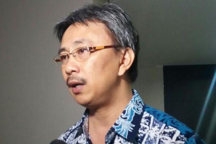Koordinator Komite Pemilih Indonesia, Jerry Sumampouw di Kantor PGI Jalan Salemba Raya, Jakarta, Jumat (11/12/2015)