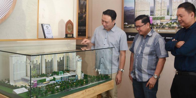 Izumi merupakan perusahaan patungan (Joint Venture) antara PT Sentul City Tbk (BKSL), Sumitomo Corporation, serta Hankyu Hanshin Properties Corporation dari Jepang. Pengembang tersebut membangun apartemen Opus Park di kawasan bisnis Sentul City seluas 7,8 hektar.