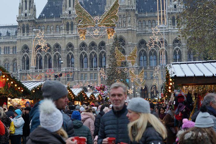 Pasar Natal Meriahkan Musim Dingin di Austria