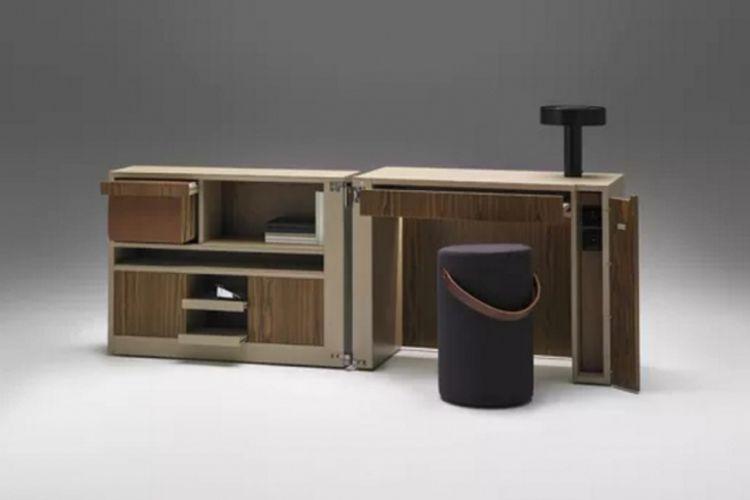 Bilik kantor HO karya desainer Francesc Rifé.