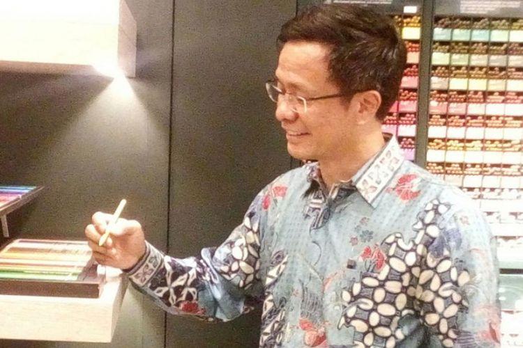 Yandramin Halim, Managing Director PT Faber-Castell International Indonesia saat peresmian toko mandiri pertama Faber-Castell di Plaza Senayan, Jakarta, Jumat (5/5/2017).