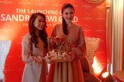 Sandra Dewi Luncurkan Lini Perhiasan Emas dengan Desain Karakter Pribadi